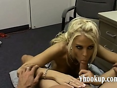 Blonde in miniskirt _ yhookup_com_D
