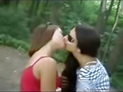 Kissing girls 216