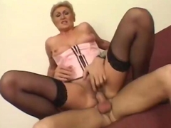 Experienced Whore Creamed On Her Pussy