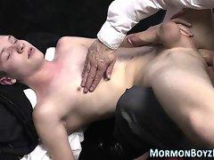 Toyed mormon cums tugging