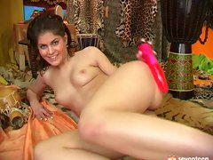 Peppering brunette hoe pounds her tight pussy with dildo