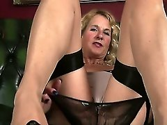 All natural Molly Maracas is mature woman who loves masturbation