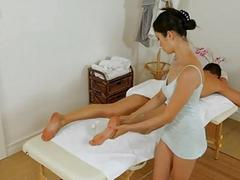 Stud acquires sex as a surprise during massage