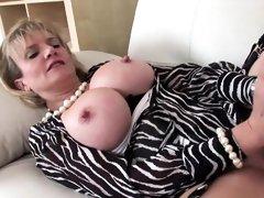 Unfaithful british mature lady sonia presents her oversized