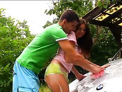 Hot Teen Stops Washing The Car And Starts Having Anal Sex Outdoors