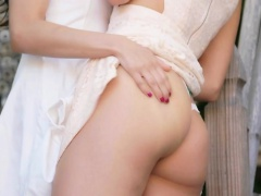 Teen beauties tribbing