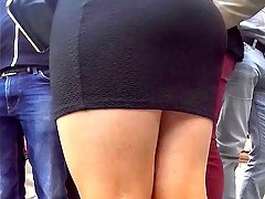 thick pantyhose legs in miniskirt