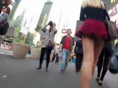 Tall teen girl's ass in an upskirt