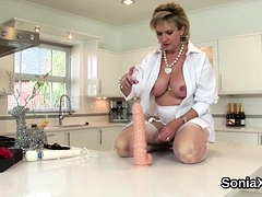 Cheating british mature lady sonia shows her big knockers30f