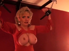 Adulterous british milf lady sonia showcases her46ifh