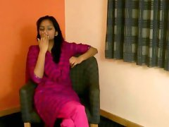 Indian beauty fingering on cam