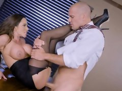 Office beauty shakes and screams while getting fucked