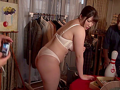Japanese slut Chitose Saegusa shows her body to a few men