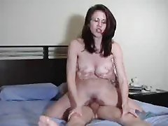 amateur chick gets a creampie