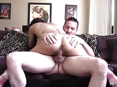 Brunette Hottie Wants Dick